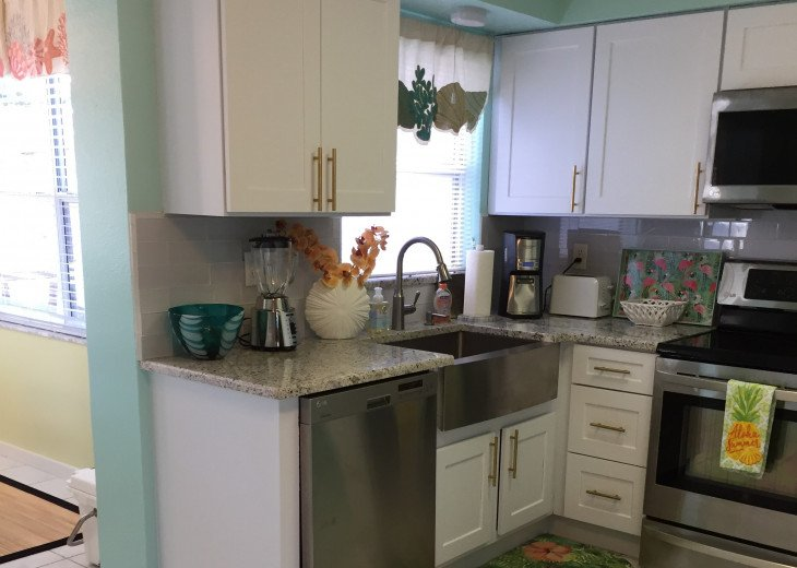 Indian Rocks Beach 2BR 1BA Beach Home #7