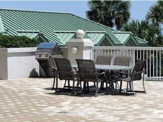 St. Barth Grills & Patio Dining Area