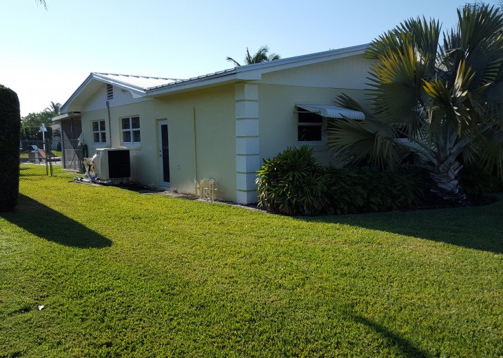 WATER FRONT HEATED POOL HOME #11