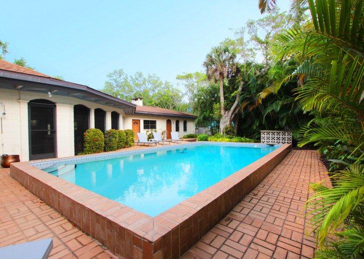 Beautiful 3 Bed/2 Bath House 5min walk to Siesta Key Beach, Heated Pool #1