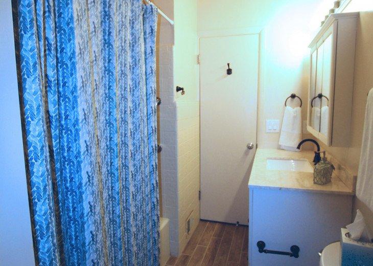 Updated 3 Bed/2 Bath House 5min walk to Siesta Key Beach, Heated Pool #21