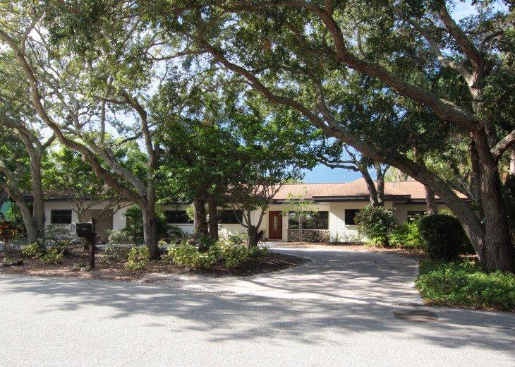 Updated 3 Bed/2 Bath House 5min walk to Siesta Key Beach, Heated Pool #29