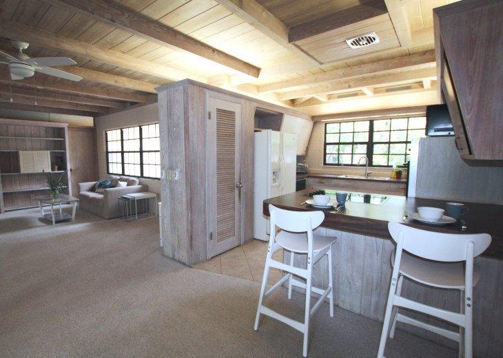 Updated 3 Bed/2 Bath House 5min walk to Siesta Key Beach, Heated Pool #9