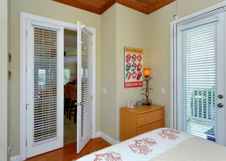 BLINDS ALLOW FOR A BRIGHT ROOM WHEN OPENED AND FULL PRIVACY WHEN OPENED.