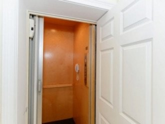 ELEVATOR - GREAT FOR BRINGING UP LUGGAGE, GROCERIES AND TIRED FEET!