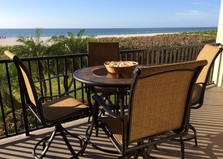 Paradise Beckons! Beautiful 2BR/2BA Beachfront Sea Winds condo #15