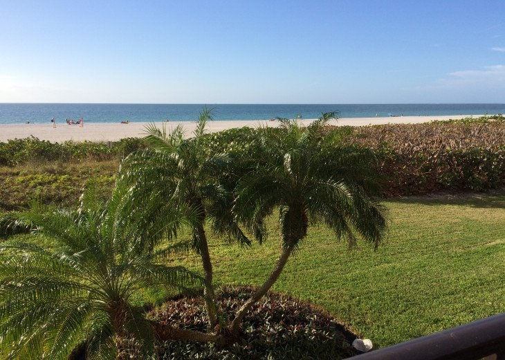 Paradise Beckons! Beautiful 2BR/2BA Beachfront Sea Winds condo #14