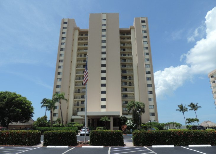 Paradise Beckons! Beautiful 2BR/2BA Beachfront Sea Winds condo #23