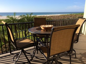 Paradise Beckons! Beautiful 2BR/2BA Beachfront Sea Winds condo #1