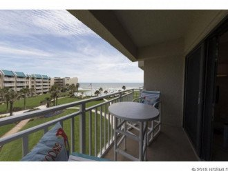 FANTASTIC VIEW. LOCATED DIRECTLY ON THE BEACH. #1