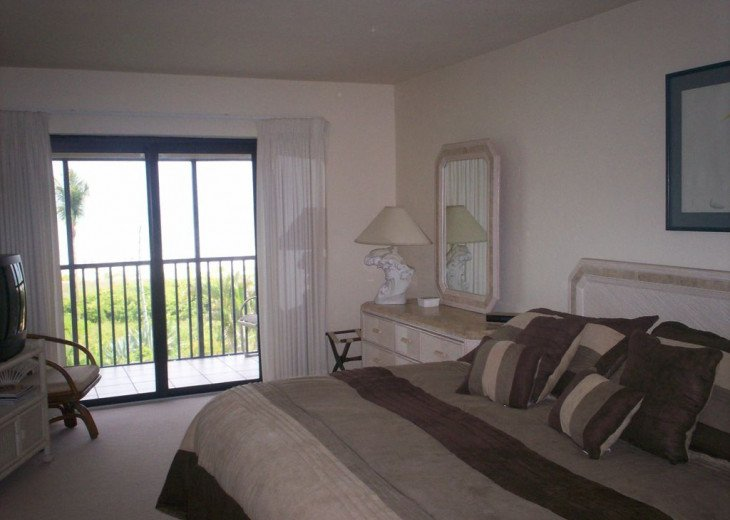 Oceanfront Condo at Sanddollar #B-202 - Panoramic View of Ocean - 3 Bedroom #11