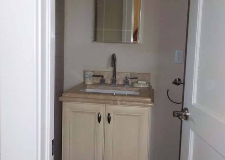 Downtown Delray Beach Abode walk to restaurants, beach and all entertainment #13