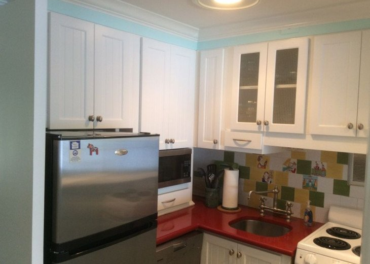 Direct Waterfront,Walk to Beach& Atlantic Ave-Gated, Pool, Priv Balcony #16