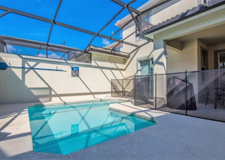 Affordable Luxury. 4 Bed 3 Bath Storey Lake Town Home. Very Private Pool. #23