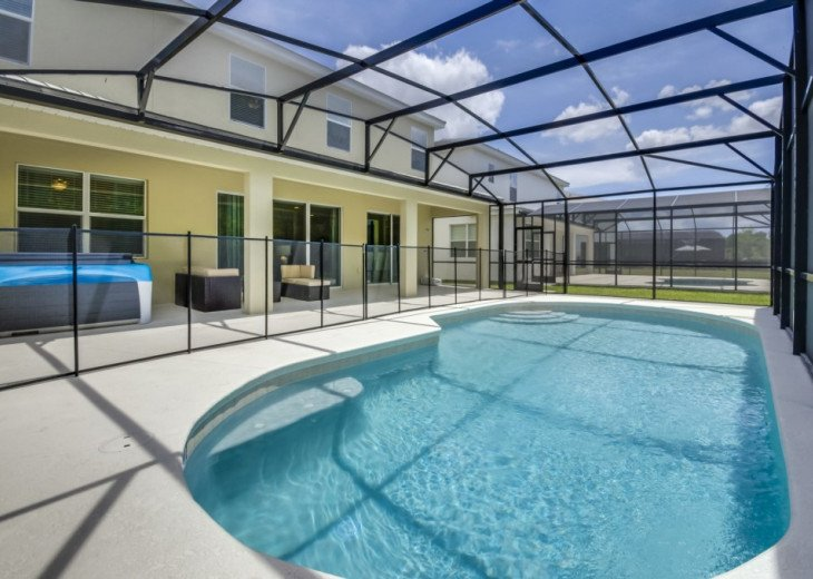 Modern Stylish Home. Private Conservation Views from Pool & Hot Tub. #25