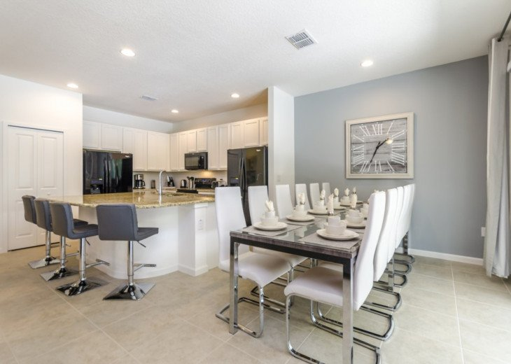 Modern Stylish Home. Private Conservation Views from Pool & Hot Tub. #4