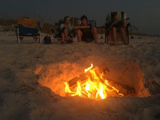 Bonfires on the Beach - A Great Family Pastime
