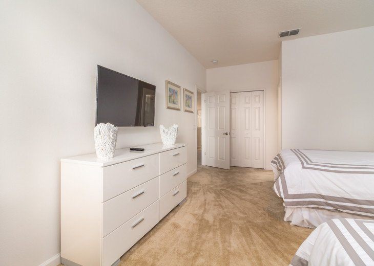 This home is the perfect getaway for your Orlando Disney vacation. Sleeps 14 #20
