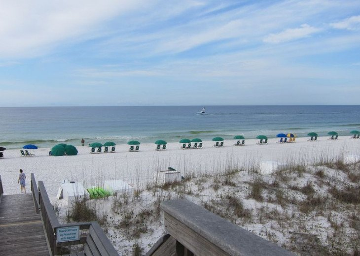 Beautiful beach Condo in building 3! Pets are welcome! Start your vacation here. #2