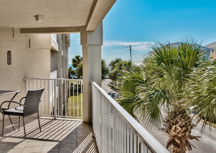 Beautiful beach Condo in building 3! Pets are welcome! Start your vacation here. #19