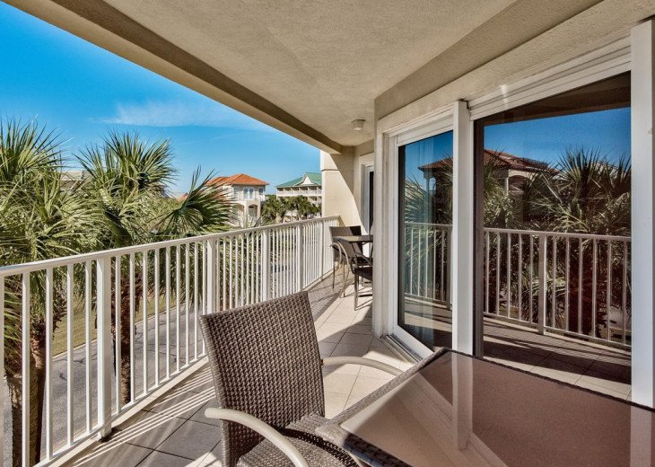 Beautiful beach Condo in building 3! Pets are welcome! Start your vacation here. #21