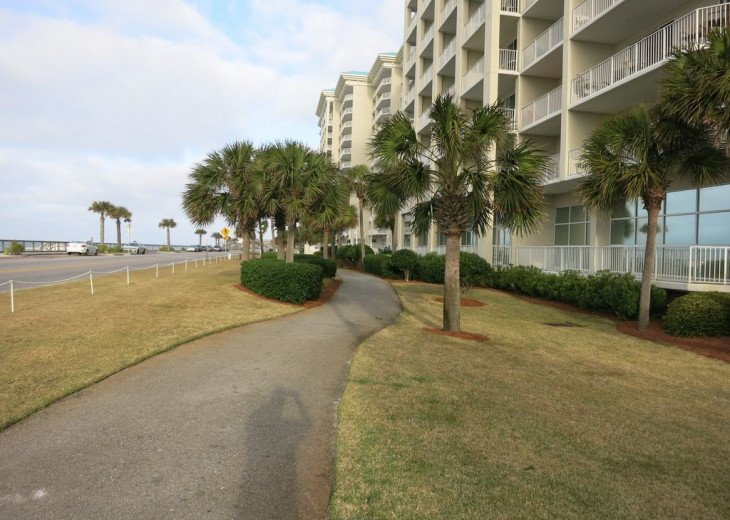 Newly renovated 3 BR, 3 BA ON the 3rd floor, sleep 10. Beautiful Ocean View! #34