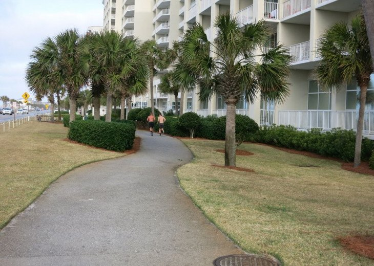 Newly Renovated 3BR/3BA condo on 2nd floor, sleep 10 with an amazing gulf view. #29