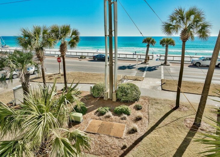 Newly Renovated 3BR/3BA condo on 2nd floor, sleep 10 with an amazing gulf view. #3