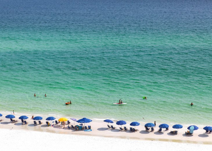 Newly Renovated 3BR/3BA condo on 2nd floor, sleep 10 with an amazing gulf view. #57
