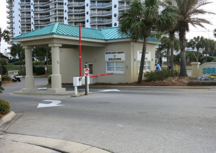 Newly Renovated 3BR/3BA condo on 2nd floor, sleep 10 with an amazing gulf view. #36