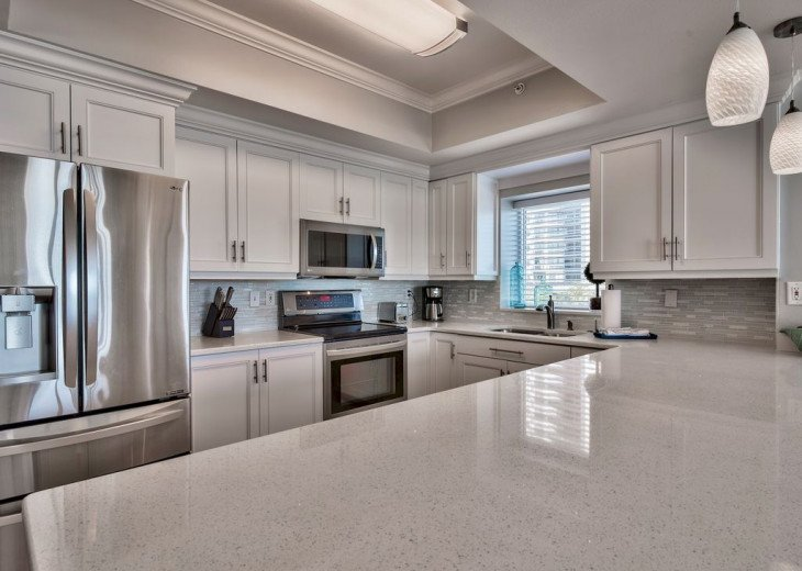 Newly Renovated 3BR/3BA condo on 2nd floor, sleep 10 with an amazing gulf view. #6