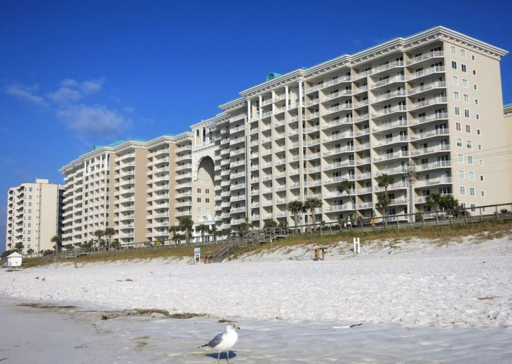 Newly Renovated 3BR/3BA condo on 2nd floor, sleep 10 with an amazing gulf view. #40