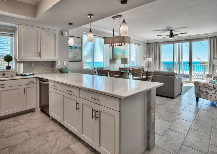 Newly Renovated 3BR/3BA condo on 2nd floor, sleep 10 with an amazing gulf view. #5
