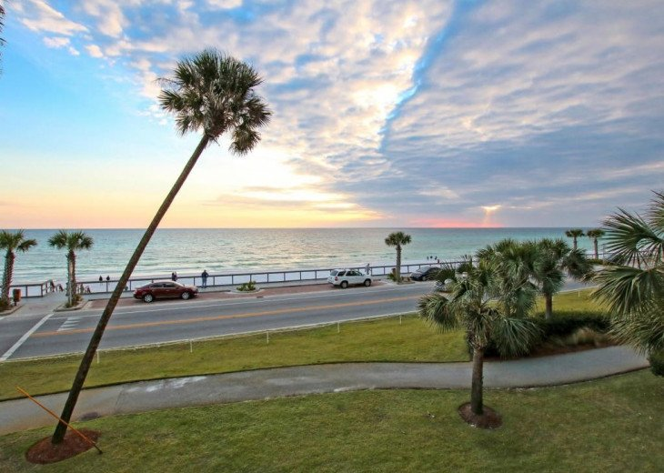 Majestic Sun - Unit 404B - Deluxe Spectacular Gulf Views! #33