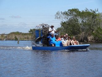 Everglades tours (30 min drive)