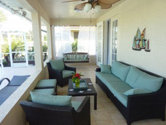 Seating area in the lanai