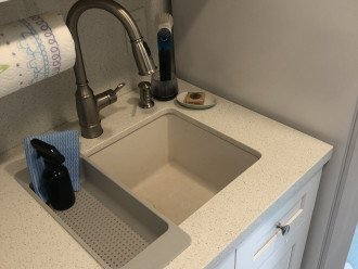 Large sink; quartz countertops