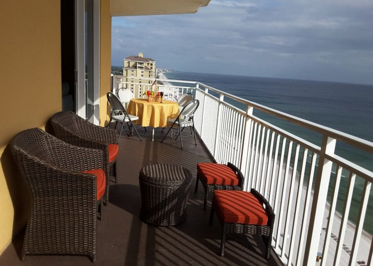 On-the-Beach+Strip, Huge End Unit, 270 Deg View; FREE: Beach Srv+SecWiFi+TV Apps #9