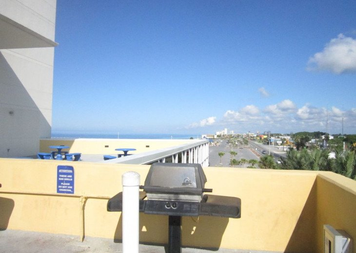 On-the-Beach+Strip, Huge End Unit, 270 Deg View; FREE: Beach Srv+SecWiFi+TV Apps #20