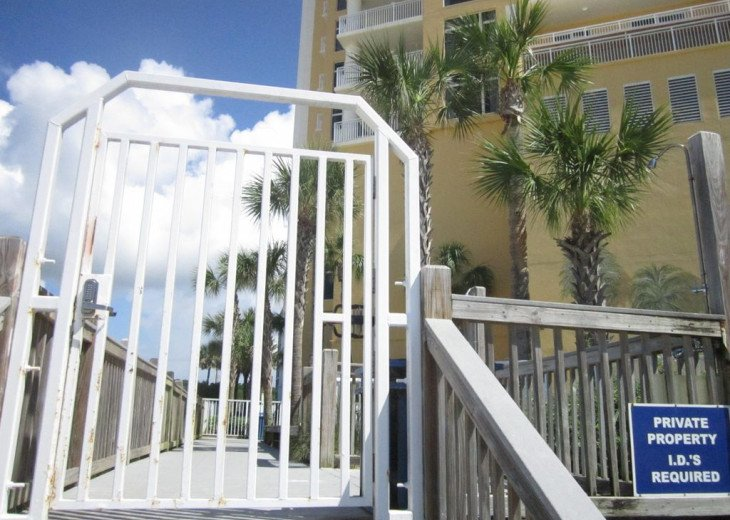 On-the-Beach+Strip, Huge End Unit, 270 Deg View; FREE: Beach Srv+SecWiFi+TV Apps #23