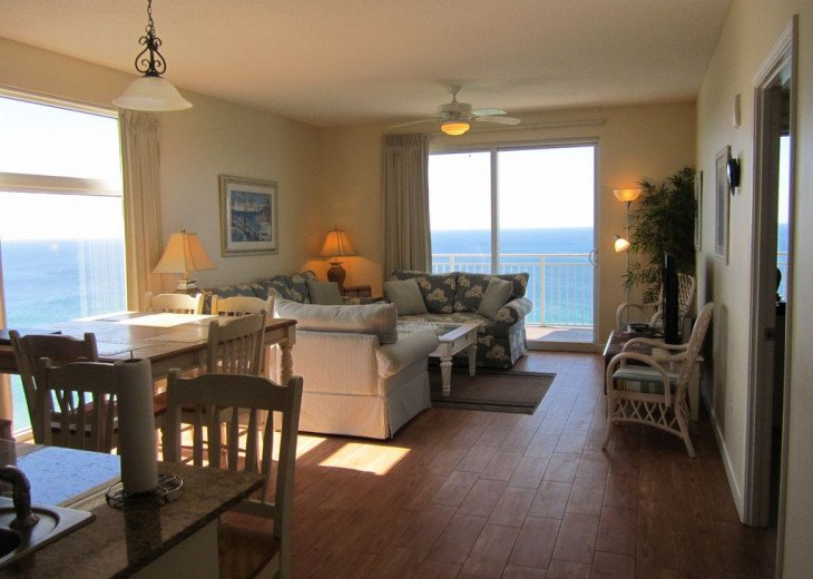 On-the-Beach+Strip, Huge End Unit, 270 Deg View; FREE: Beach Srv+SecWiFi+TV Apps #7