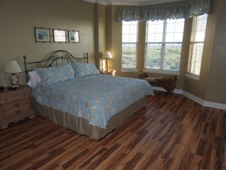 Large Master Bedroom overlooking the Intracoastal Waterway