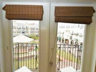 Intimate Setting W/ French Doors Opening To Balcony & Overlooking Courtyard #1