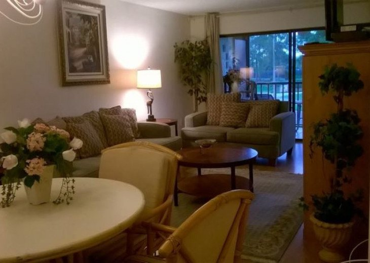 A Delightful Condo Situated In Ventura Golf & Country Club #12