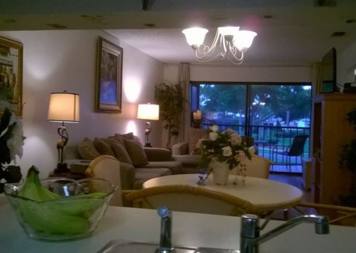 A Delightful Condo Situated In Ventura Golf & Country Club #18