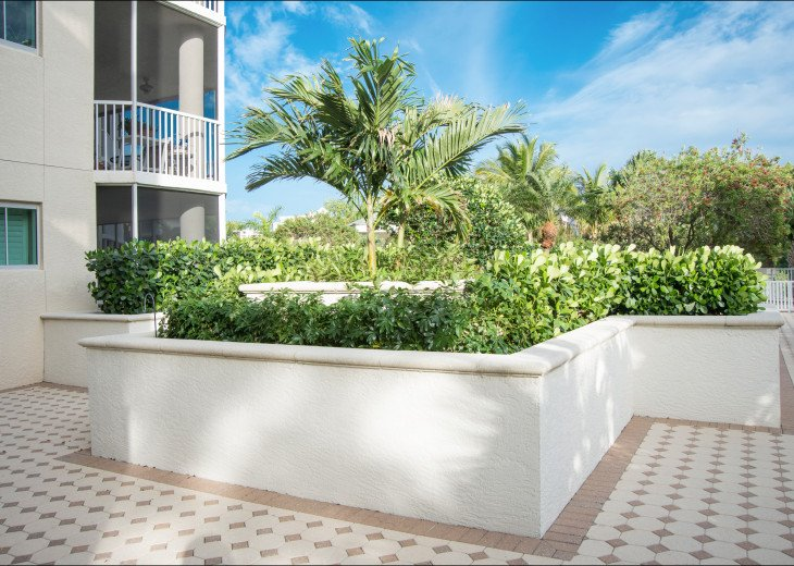 The Dunes of Naples - 3 BR/3 BA in the Cayman Building #24