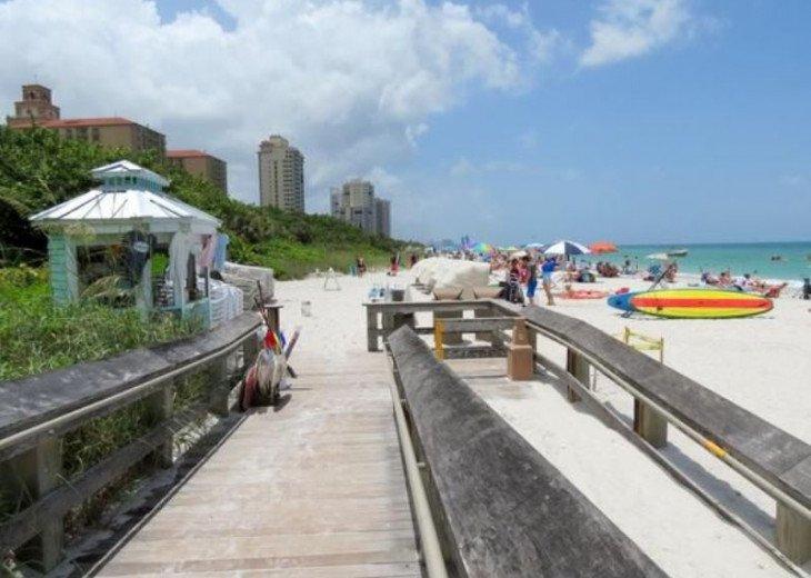 Vanderbilt Breeze..Less than mile to Beach..Heated pool #23