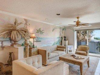 2nd Floor Livingingroom overlooking the ocean