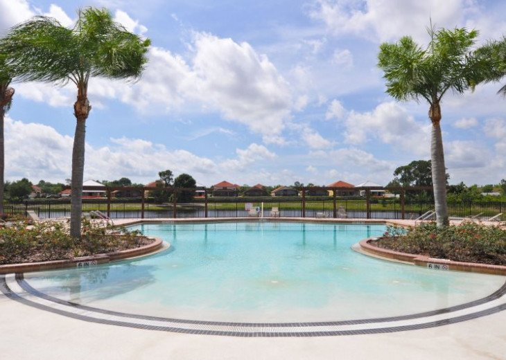 This perfectly located 6 bedroom LARGER pool home in Aviana Resort Orlando #38