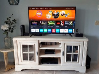 new 4k hd tv with all apps and comcast 88 chanels